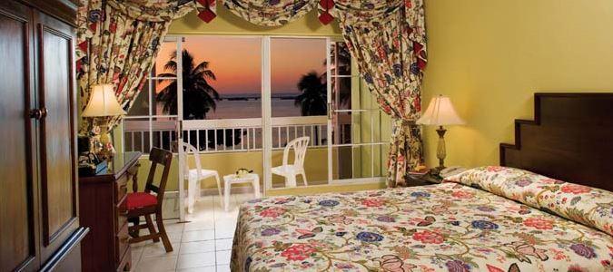 Oceanfront Guestroom with Balcony