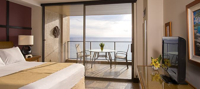One Bedroom Premium Oceanfront Suite
