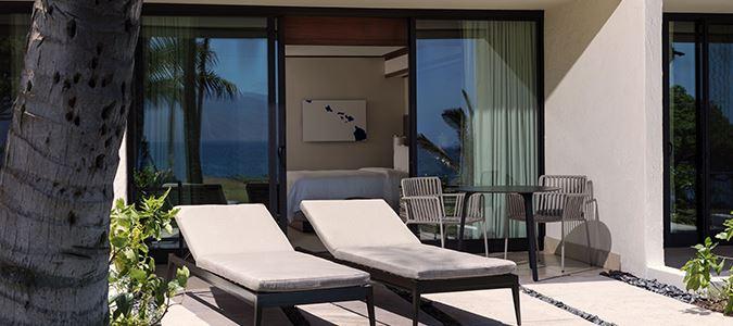 Oceanfront Oversize Lanai Guestroom