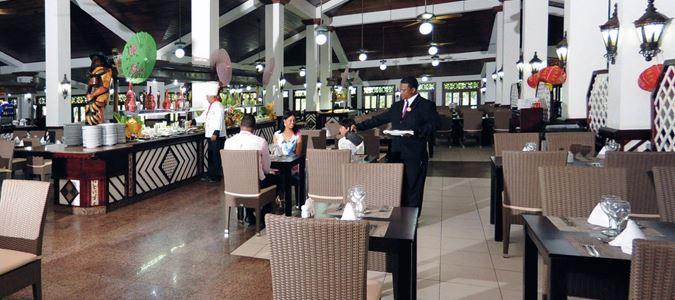 Los Almendros Restaurant