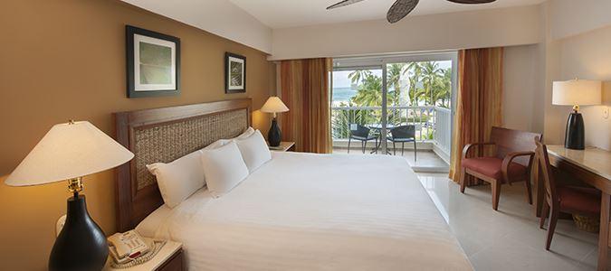 Superior Oceanfront Guestroom
