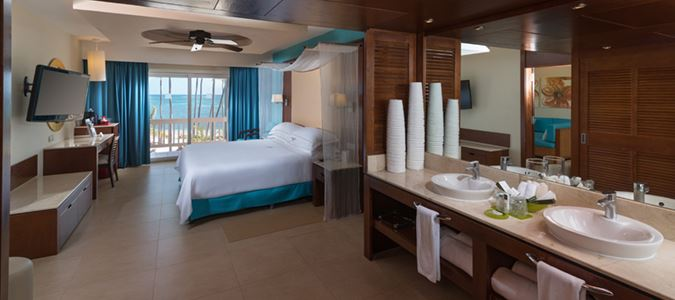Premium Level Oceanfront Suite