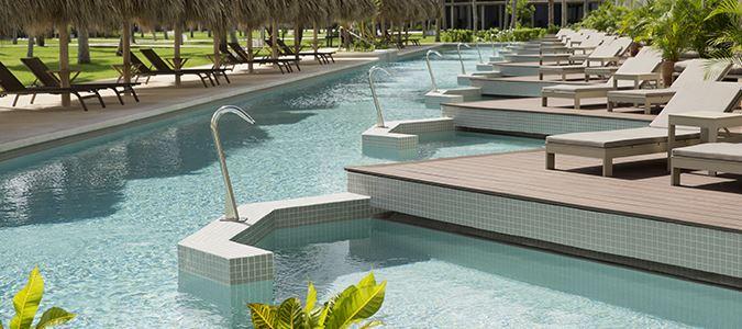 Swim Up Suites Pool