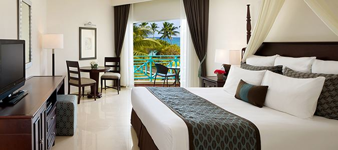 Preferred Club Partial Oceanview Guestroom