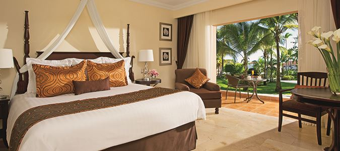 Preferred Club Deluxe Tropical View Guestroom