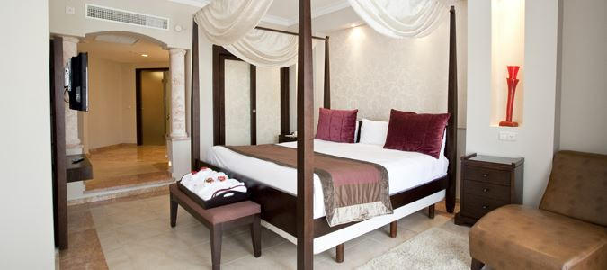 One Bedroom Suite with Jacuzzi