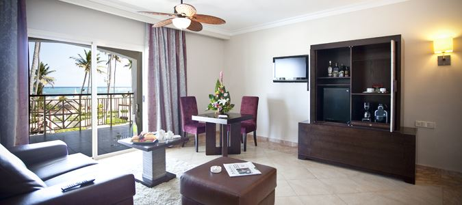 Elegance Club Oceanview Suite with Outdoor Jacuzzi