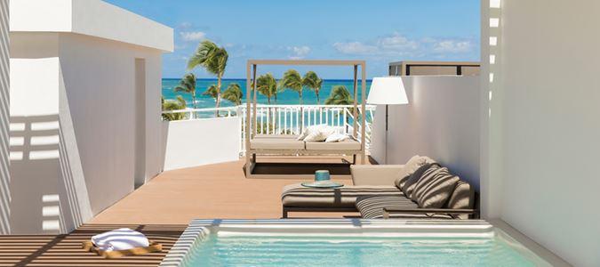 Excellence Oceanfront Honeymoon Suite with Rooftop Terrace