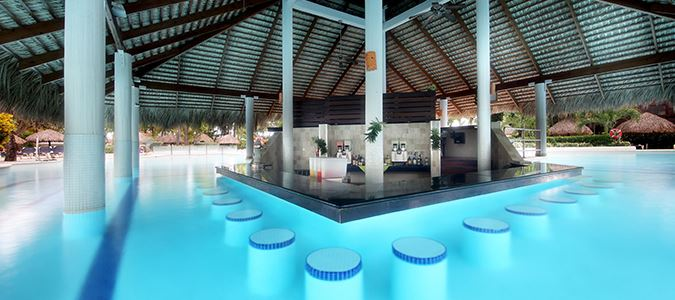 Boca Chica Swim Up Pool Bar