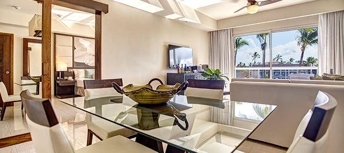Diamond Club Luxury Presidential Jacuzzi One Bedroom Suite