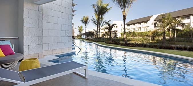 Premium Swim Up Suite