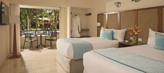 Deluxe Pool View Guestroom