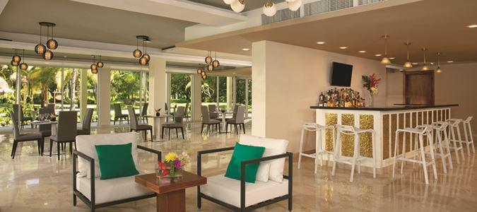 Sun Club Lounge