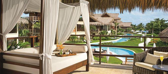 Romantic Junior Suite Pool View