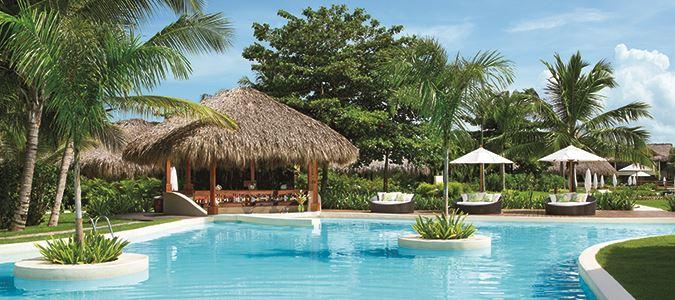 Pool and Caicu Pool Bar
