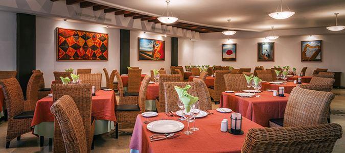 Salvadors Restaurant