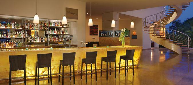 Rendezvous Lobby Bar
