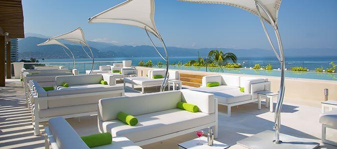 O West Sunset Lounge