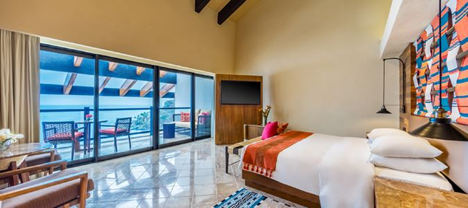 Club Level One Bedroom Suite with Plunge Pool