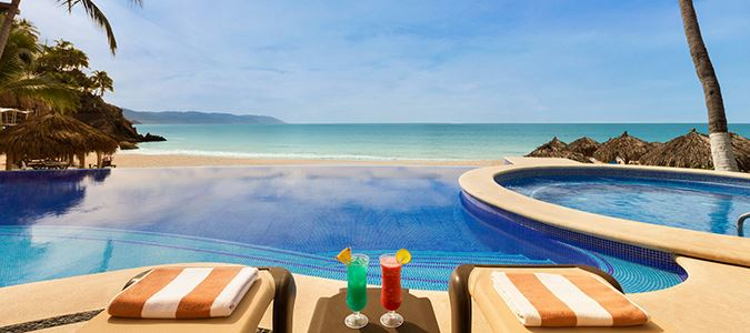 Adults-Only Infinity Pool