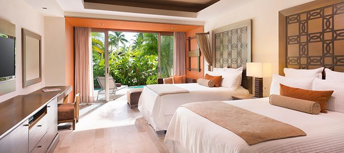 Preferred Club Master Suite Swim Out Oceanfront