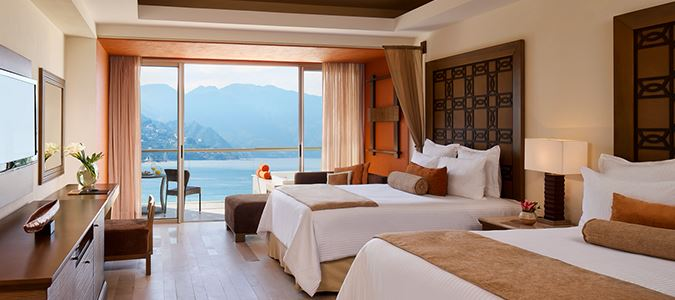 Preferred Club Master Suite Oceanfront
