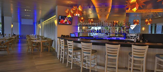 La Corona Bar