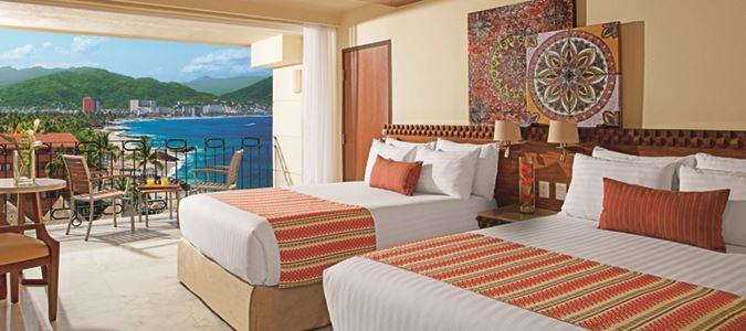 Sun Club Deluxe Oceanview Guestroom