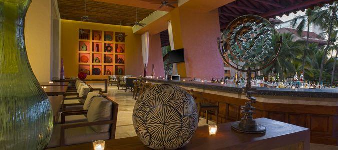 La Cascada Lobby Bar