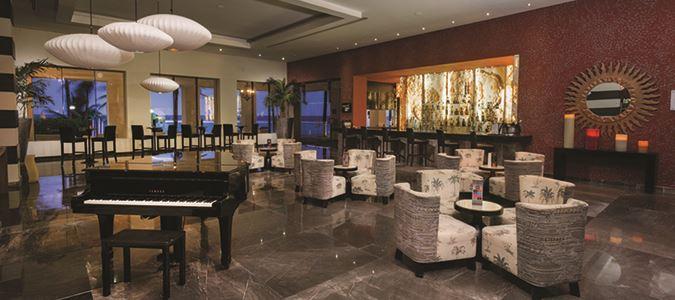 Starboard Lobby Bar
