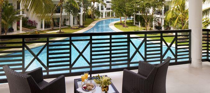 Deluxe Poolview Guestroom Terrace