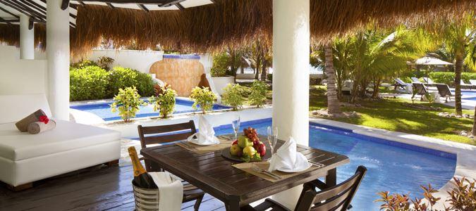 Honeymoon Private Pool Swim Up Casita Suite