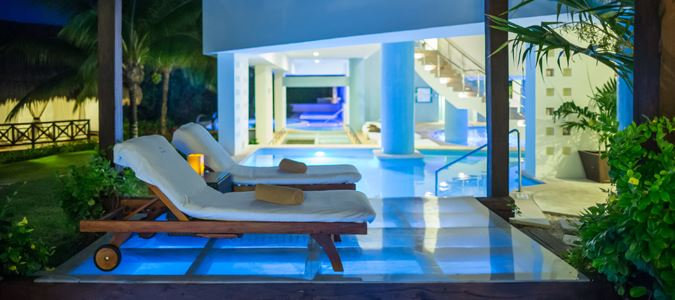 Emerald Swim Up Suite