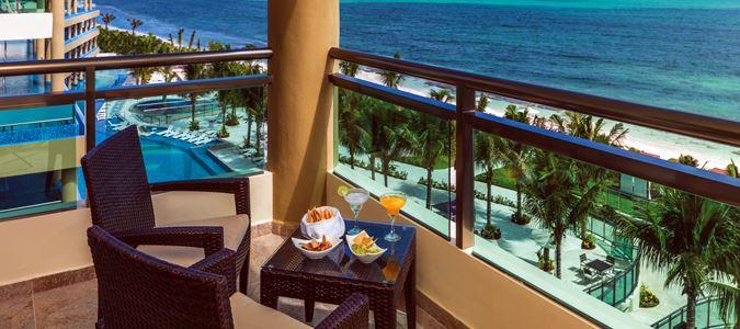 Oceanfront Jacuzzi Suite Exterior