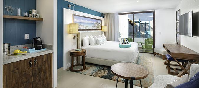Swim Up Paradise Suite
