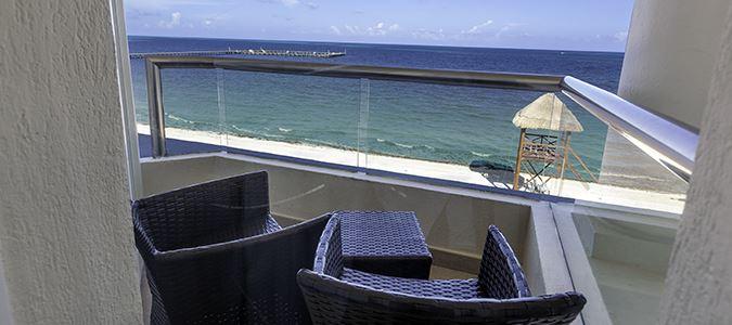 Superior Deluxe Oceanfront Guestroom