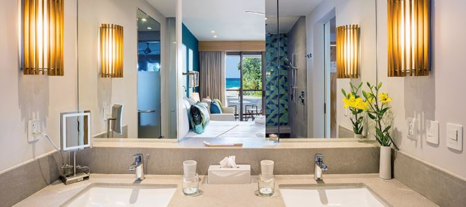 Preferred Club Junior Suite Partial Oceanview Bath