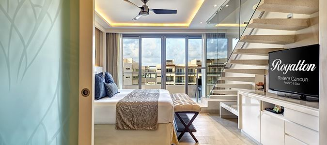 Family Suite with Rooftop Jacuzzi