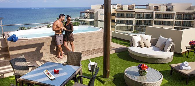 Rooftop Jacuzzi Suites