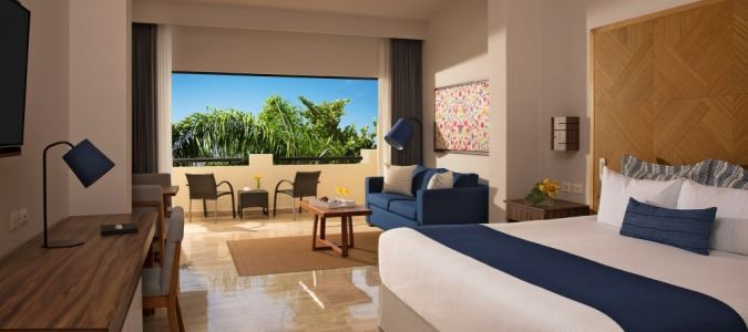 Junior Suite + Preferred Club Family Tropical View - King
