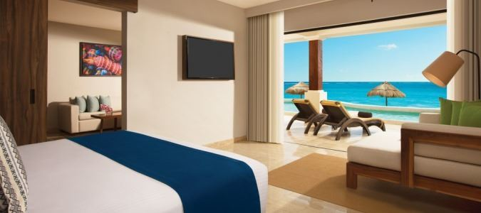Preferred Club Master Suite Beach Front Swim Out - Bedroom