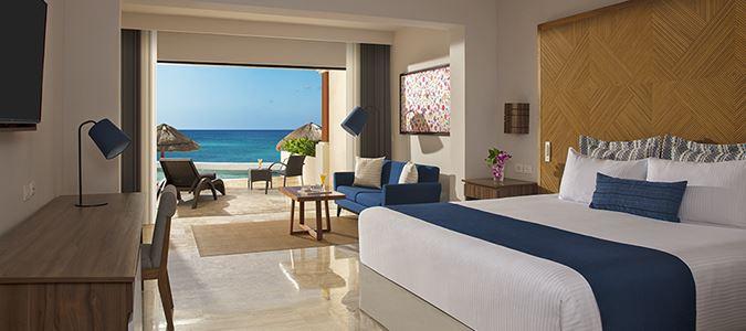 Preferred Club Junior Suite Beachfront