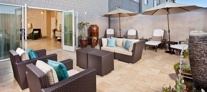 Ocean Crest Spa Outdoor Lounge