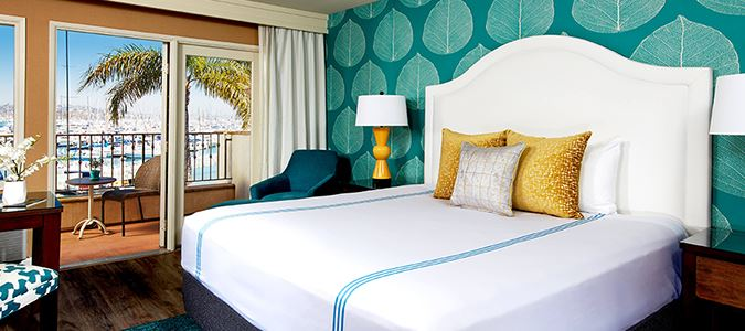 Marina View Guestroom One King Bed