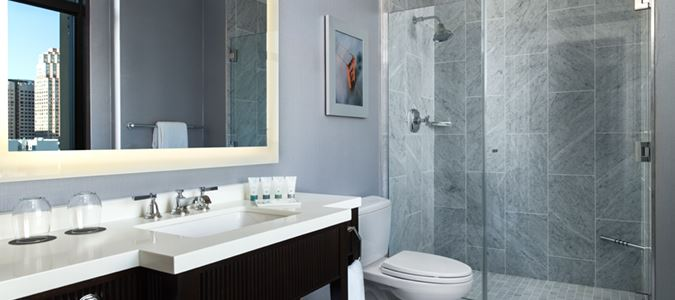 Landmark Building Guestroom Bath