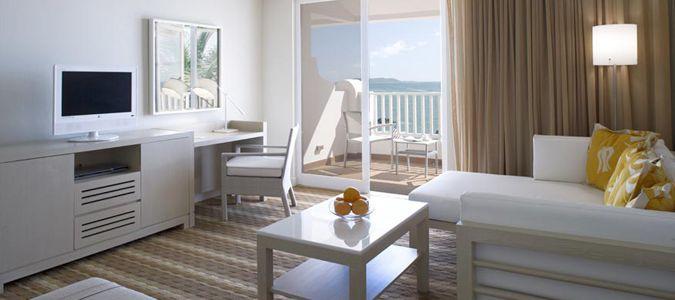 Las Brisas Oceanview Guestroom