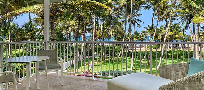 Deluxe Suite Oceanfront Balcony