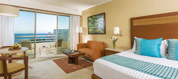 Deluxe Sea View Premium Level Guestroom