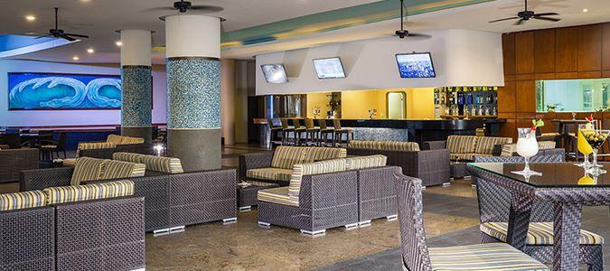 Acuario Lobby Bar