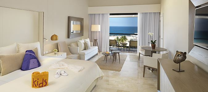 Family Concierge Oceanfront Suite